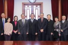 段崇智校長率副校長潘偉賢教授、協理副校長王淑英教授等,與北京大學各相關部門代表會晤交流。
