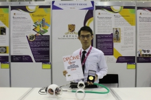 Dr. Ka Chun Lau, Department of Mechanical and Automation Engineering, Faculty of Engineering of CUHK receives the Gold Medal with Congratulations of the Jury on behalf of the Endoscopic Surgical Robot team