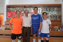 (From left) Mr. Ho Yuk-wing, Professor Henry Wong, Professor Wong Kam-fai and Mr. Chan Shu-pui from the CUHK staff football club receive the 2018 Long Service Awards together.