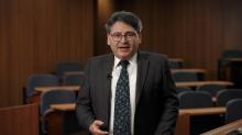 中大法律学院副院长(学术事务)Steven Gallagher教授以「Chinese Shipwrecks and the Law of Treasure Hunting」为题主讲。