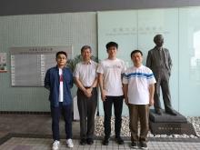 The research team of Prof SUN Xiankai (1st right) and Prof Tsang Hon Ki (2nd left).