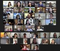 主礼嘉宾、决审评判、华文奖筹备委员会成员及得奖者出席网上颁奖礼。