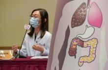 麥詠欣醫生指出,臨床研究顯示,有新冠肺炎患者服用「微生態免疫力配方」後,由原來症狀嚴重至需要儀器輔助呼吸,改善至不再咳嗽及沒有其他症狀。