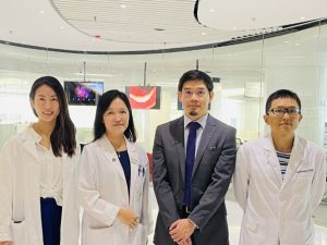 (From left to right) Ms. Gloria HW Lau, Physiotherapist I and Exercise Physiologist; Dr. Susanna SS Ng, Assistant Professor, Division of Respiratory Medicine; Dr. Erik Fung, Assistant Professor, Division of Cardiology; Dr. Leong Ting Lui, Research Associate; all from the Department of Medicine and Therapeutics, CU Medicine.