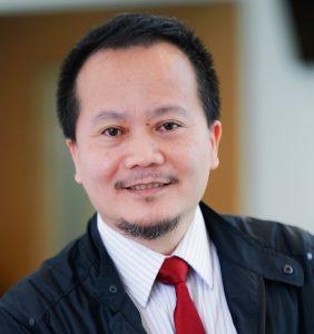 Professor Xiang Qian LAO.