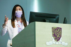 黃秀娟教授指出,最新實驗室研究顯示,利用中大研發的「微生態免疫力配方」可以抑制接種新冠疫苗後的炎症細胞,令發炎指數下降,製造抗體的細胞水平上升。