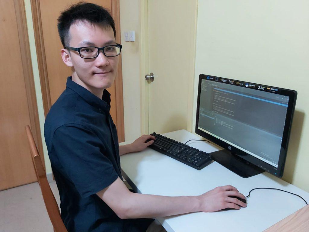 助學金為梁泓發提供資金研發一個與服務業相關的應用程式,活用學科知識,回饋社會。