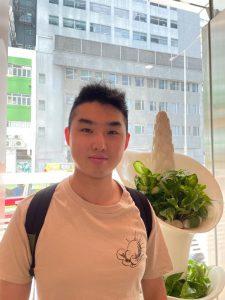 得獎的工商管理學院呂俊傑同學現為崇基雲上太陽服務團主席。