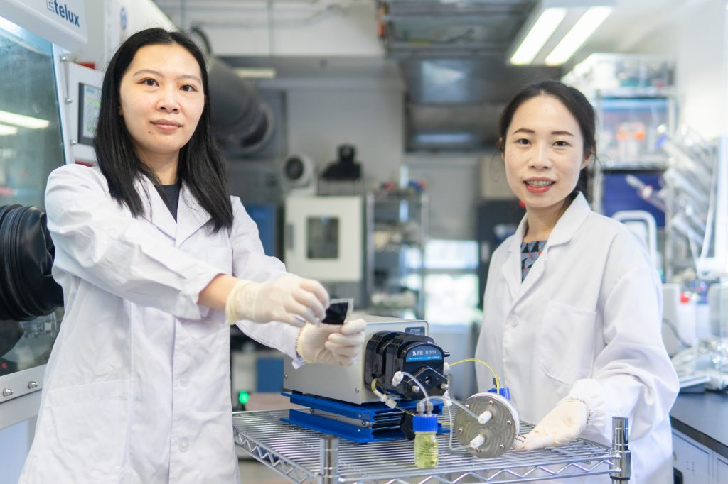 The CRIS membrane developed by Professor Yi-Chun Lu (right) and her team member Dr. Zhejun Li (left) can enhance the lifetime of sulphur-based redox flow batteries, and can be widely applied to large-scale storage devices.