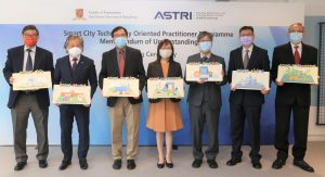 (From Left) Professor Kwong Sak Leung, Associate Director, Institute of Future Cities, CUHK; Dr Martin Szeto, Acting Co-CEO cum Chief Operating Officer, ASTRI; Professor Martin D. F. Wong, Dean, Faculty of Engineering, CUHK; Ms Rebecca Pun, JP, Commissioner of Innovation and Technology; Dr Lucas Hui, Acting Co-CEO cum Chief Technology Officer, ASTRI; Professor Jimmy Lee, Associate Dean (Education), Faculty of Engineering, CUHK; and Professor Chun Kwong Chan, Programme Director, MSc Programme in Fintech, CUHK attend the MoU Signing Ceremony for Smart City Technology Oriented Practitioner Programme.